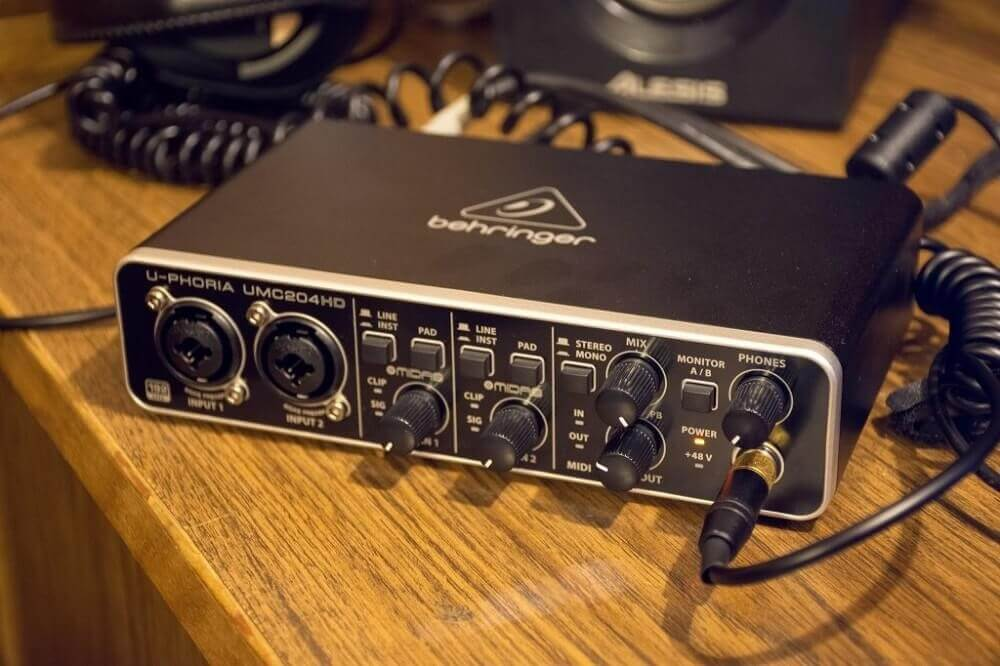 Behringer U-Phoria UMC204HD- best auio interfaces