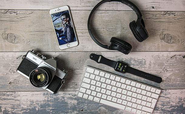 Turn Your iPhone Into A Mini DSLR With These 5 Accessories