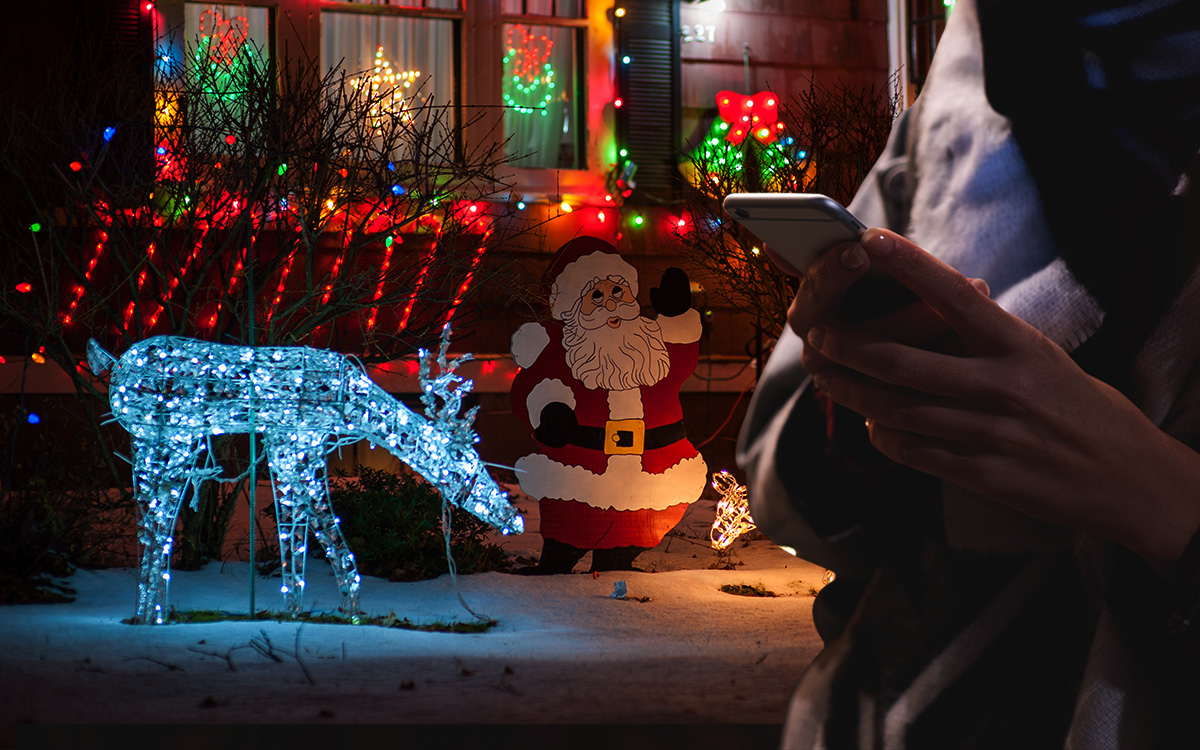 6 Best Smart Lights to Enlighten Your Christmas