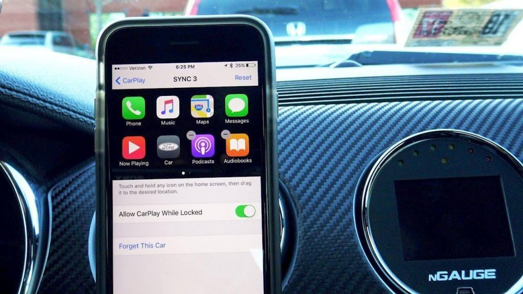 6 Apple CarPlay Tips and Tricks You Wish You'd Known Sooner